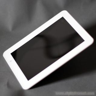 Nearly 10 (9.7)  inch ultra slim digital frame in white