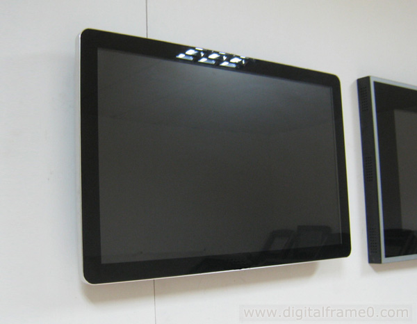 larger digital photo frame